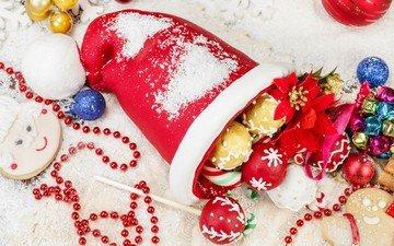 новый год, бусы, рождество, елочные украшения, леденцы, колпак