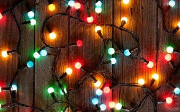 новый год, рождество, огоньки, гирлянда, деревянная поверхность, evgeny karandaev