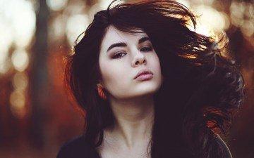 девушка, портрет, взгляд, модель, волосы, лицо, ветер, сёрьги
