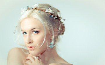 украшения, девушка, блондинка, взгляд, волосы, лицо, прическа