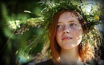 flowers, girl, look, hair, face, wreath, freckles