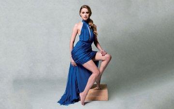 модель, ножки, актриса, прическа, фотосессия, длинные волосы, голубое платье, амбер херд