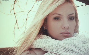 девушка, блондинка, взгляд, волосы, лицо, шарф