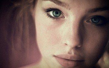 девушка, портрет, взгляд, модель, волосы, губы, лицо, зеленые глаза, ресницы