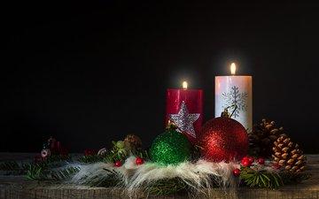 свечи, новый год, шары, черный фон, рождество, шишки, декор