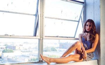 платье, модель, ноги, актриса, окно, длинные волосы, сидя, troian bellisario, тройэн беллисарио, троиан беллисарио