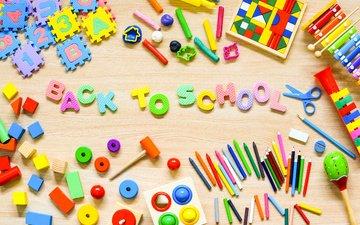 разноцветные, буквы, игрушки, мелки, цветные карандаши