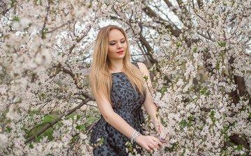 цветение, девушка, блондинка, улыбка, взгляд, весна, волосы, лицо, георгий дьяков