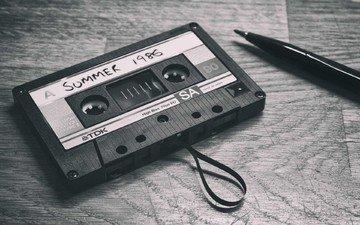 ручка, чёрно-белое, кассета, магнитная лента, аудиозапись