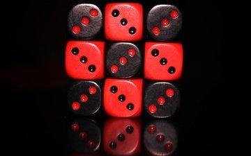 отражение, красные, кубики, черный фон, кости, чёрные, настольные игры