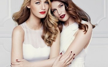 look, girls, hair, face, red lipstick, manicure, blake lively, laetitia casta