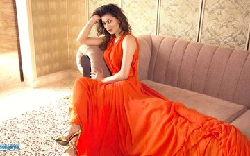 girl, dress, look, hair, face, actress, sofa, bollywood, urvashi rautela, urvasi rutel