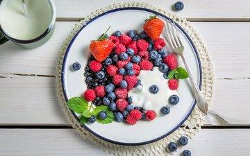 raspberry, strawberry, berries, blueberries, breakfast, yogurt, cream