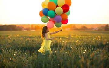 трава, настроение, полет, лето, девочка, ребенок, воздушные шарики