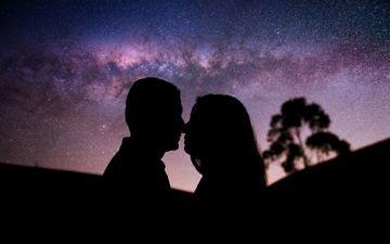 ночь, девушка, парень, любовь, романтика, пара, млечный путь, поцелуй