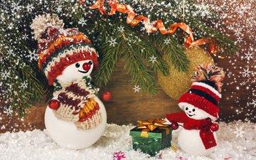 снег, новый год, елка, хвоя, ветки, рождество, снеговики