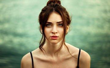 девушка, портрет, взгляд, волосы, лицо, голые плечи, девушка модель