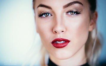 девушка, фон, блондинка, портрет, взгляд, модель, лицо, макияж, прическа, красная помада, боке