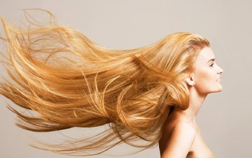 девушка, блондинка, улыбка, взгляд, модель, лицо, длинные волосы, голые плечи