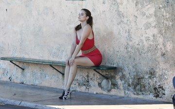 девушка, взгляд, стена, модель, скамейка, лицо, красное платье, барбара palvin