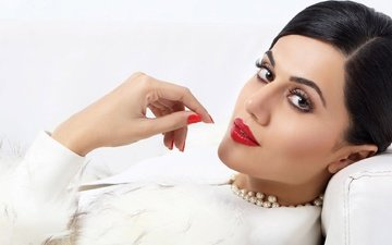 pose, look, model, lips, face, actress, makeup, celebrity, bollywood, indian, taapsee pannu, taapsi lady