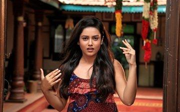 girl, look, hair, face, actress, mithun chakraborty