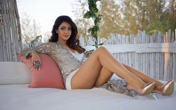 девушка, поза, взгляд, ножки, волосы, лицо, актриса, индийская, айндрита рей