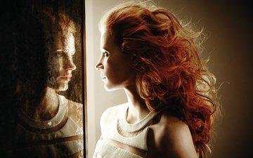 девушка, отражение, взгляд, рыжая, зеркало, профиль, волосы, лицо, локоны, джессика частейн
