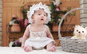 дети, мишка, девочка, игрушка, ребенок, белое платье, корзинка, чепчик, малышка