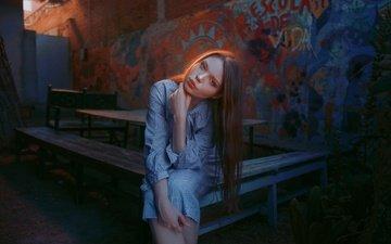 девушка, взгляд, модель, волосы, лицо, локоны, губки, сидя, linda blank