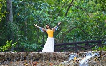 деревья, девушка, взгляд, волосы, лицо, актриса, индийская, маннара чопра, mannara chopra