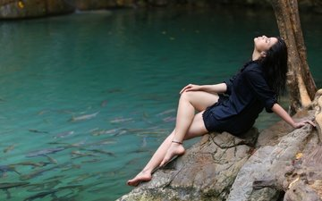 girl, pose, legs, hair, face, actress, fish, closed eyes, indian, mannar chopra, mannara chopra