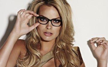 девушка, блондинка, взгляд, очки, волосы, лицо, марго робби