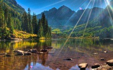 озеро, горы, камни, лес, лучи, пейзаж, сша, марун-беллс, горы. озеро