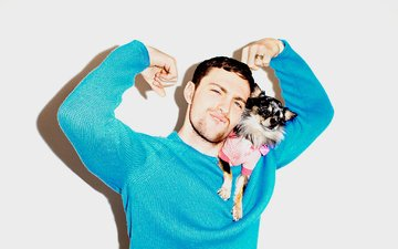 muzzle, look, dog, actor, puppy, face, emotions, chihuahua, aaron taylor-johnson, aaron taylor johnson
