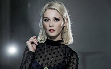 девушка, блондинка, взгляд, волосы, лицо, певица, черное платье, метте линдберг, mette lindberg