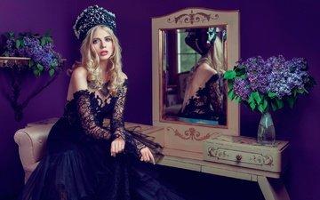 цветы, отражение, платье, блондинка, портрет, зеркало, модель, наряд, макияж, прическа, сирень, красивая, головной убор