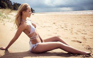 девушка, море, платье, поза, блондинка, песок, пляж, модель