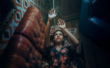 свет, девушка, платье, взгляд, волосы, лицо, руки, диван, alexandra, estival