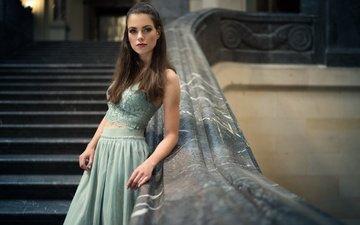 лестница, девушка, платье, взгляд, модель, волосы, лицо, carina cara