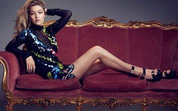 платье, поза, модель, ножки, прическа, фигура, диван, туфли, фотосессия, vanity fair, джиджи хадид, max papendieck