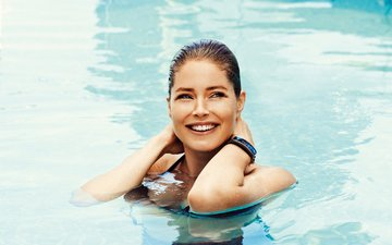 girl, smile, look, model, pool, face, wet, doutzen kroes, doutzen croesus