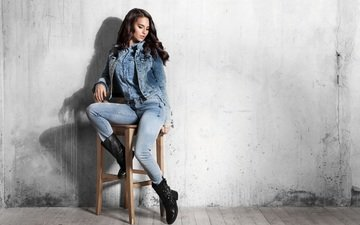 girl, pose, model, sitting, jeans, makeup, dzhinsovka