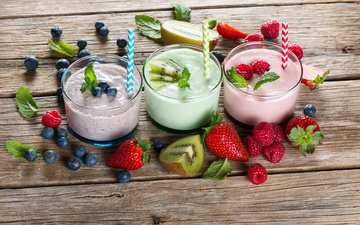 mint, raspberry, strawberry, berries, kiwi, blueberries, glasses, yogurt