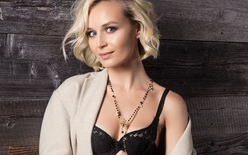 blonde, beauty, hair, singer, great body, bare shoulders, polina gagarina