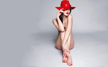 сидит, шляпа, обнаженная