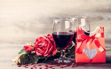 розы, любовь, романтика, вино, бокалы, подарок, сердечки, день святого валентина, красные розы