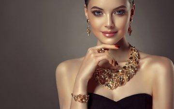 рука, стиль, девушка, взгляд, модель, блеск, плечи, кольцо, губы, браслет, голубые глаза, макияж, прическа, украшение, жест, сережки