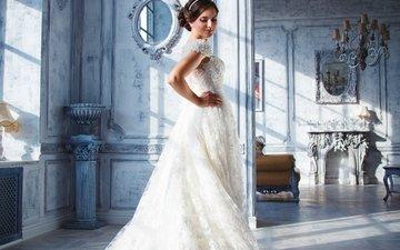 интерьер, платье, поза, помещение, макияж, прическа, в белом, невеста, стоит, шатенка, свадебное платье