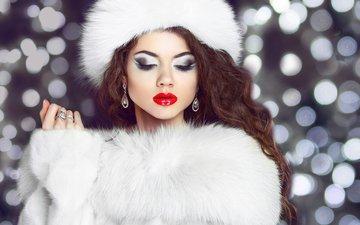 рука, девушка, фото, портрет, модель, лицо, шапка, макияж, прическа, мех, красная помада, длинные волосы, сережки
